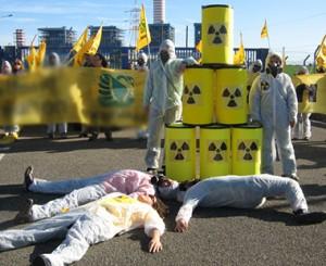 contro al nucleare