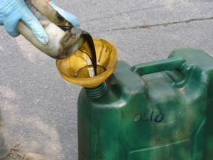 smaltire olio motore