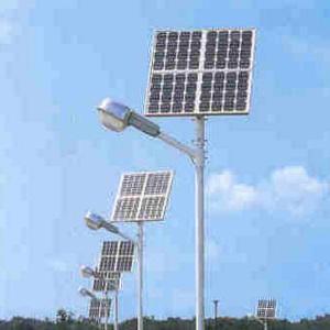 Lampioni fotovoltaici da giardino vantaggi e costi io verde - Lampioni da giardino fotovoltaici ...